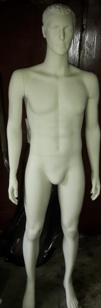 Манекен мужской скульптурный